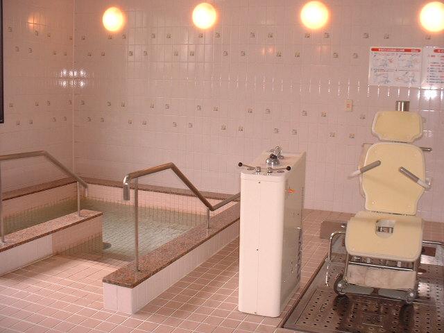リフト浴 大浴場 リフト浴場         デイサービス写真